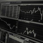 Pierwsze kroki na rynku walutowym – kompendium wiedzy dla początkującego inwestora